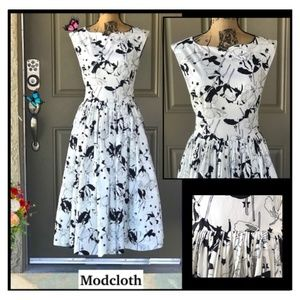 MODCLOTH Size 12 Fabulous Fit and Flare Dress